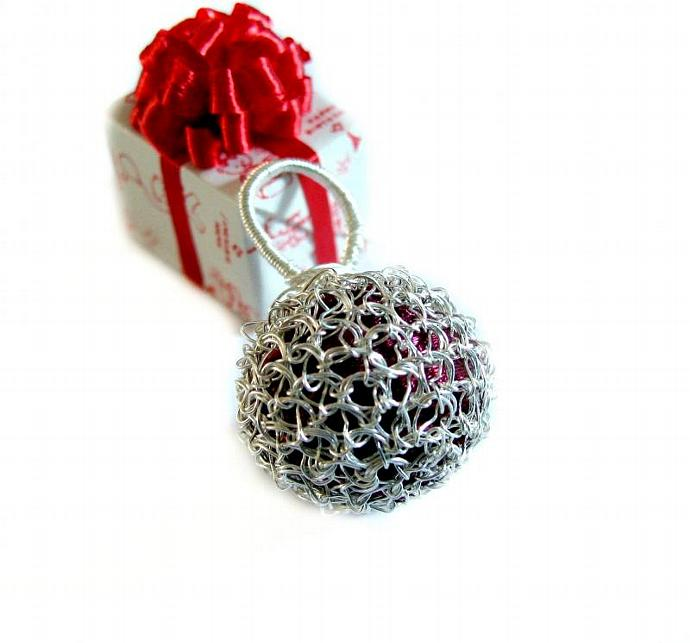 Fine silver wire crochet ball pendant with red filling - Silver cage