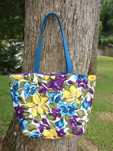 Bright Floral Tote Extra Large fully lined with interior pocket