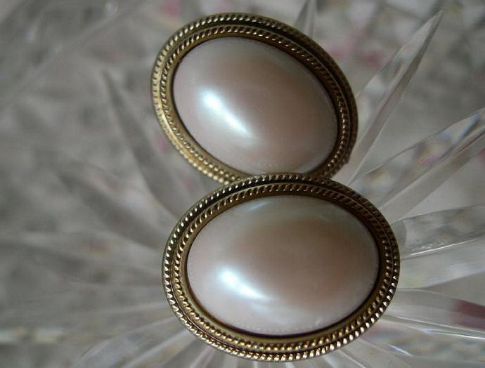 Golden Roped Pearl Domes 1980 Classic Vintage Pierced Earrings