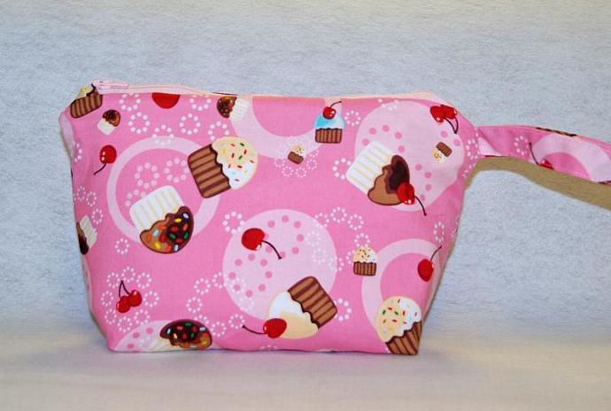 Cupcake Wristlet