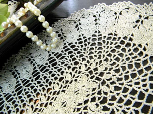 Crochet Oval Doily in a Medium Ecru - Wheat Pattern 8127