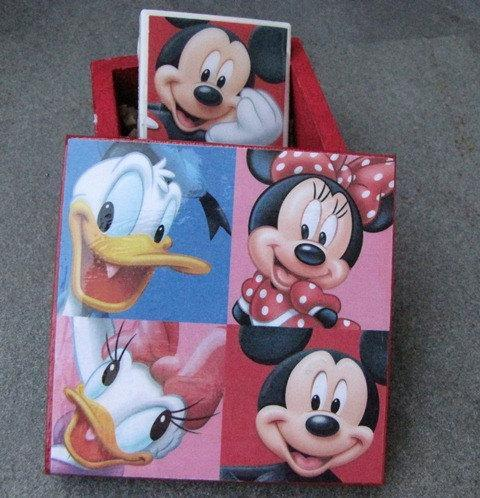 Ceramic tile magnet in gift box - Mickey Mouse Theme