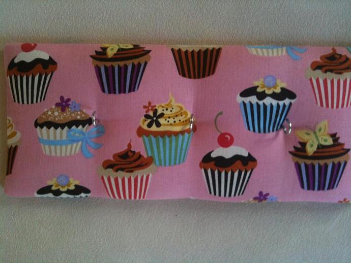 "3 Hooks, Key Rack, Key Holder, ""Pink Cupcakes"""