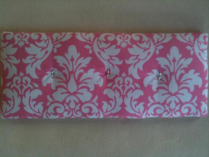 "3 Hooks, Key Rack, Key Holder, ""Pink Damask"""
