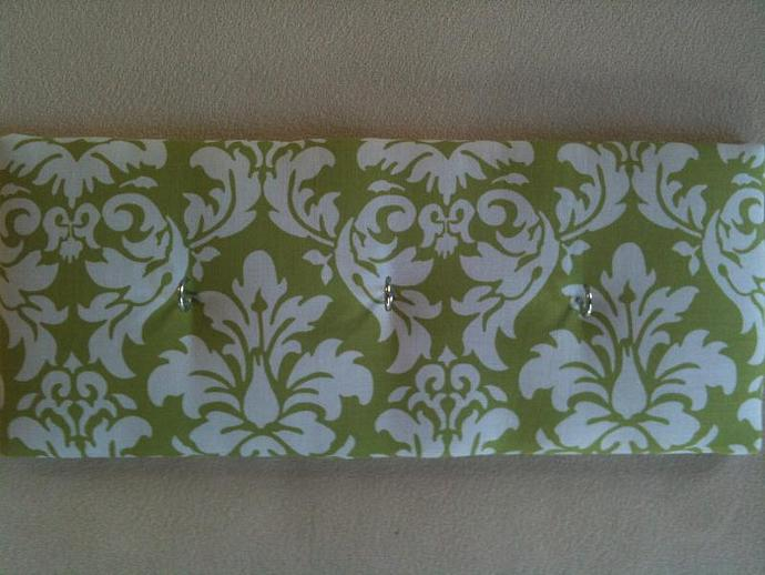 "3 Hooks, Key Rack, Key Holder, ""Green Damask"""