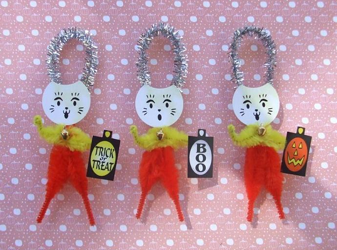 Maneki Neko 3 Lucky Candy Corn Cats Chenille Halloween Ornaments