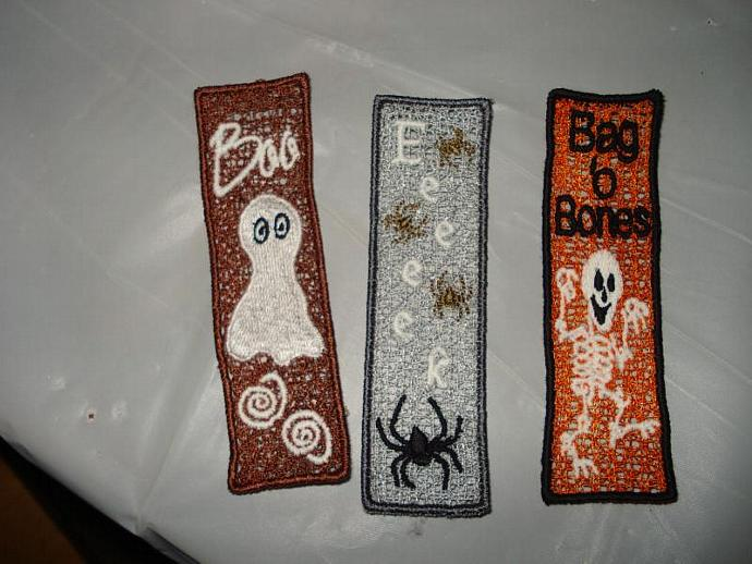 Embroidered FSL Halloween Bookmark: Eeeeek (glow-in-the-dark)