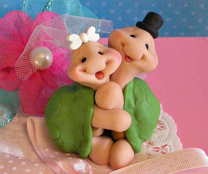 Hugging Turtle Wedding Cake Topper by Buttonwilloe on Zibbet