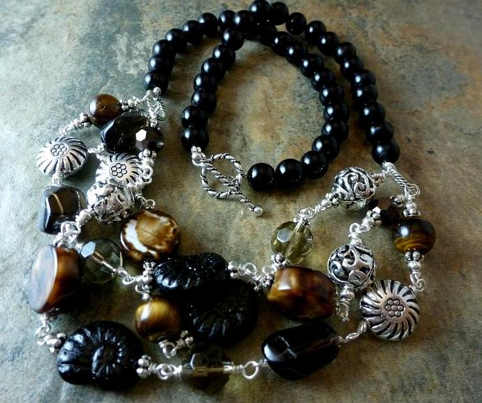Wired Smoky Necklace