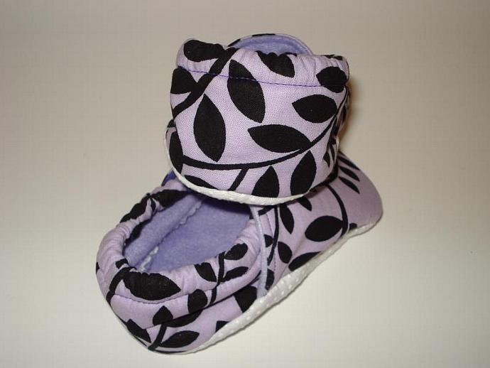 Fabric shoes - Purple with black leaf pattern: 18 to 24 months