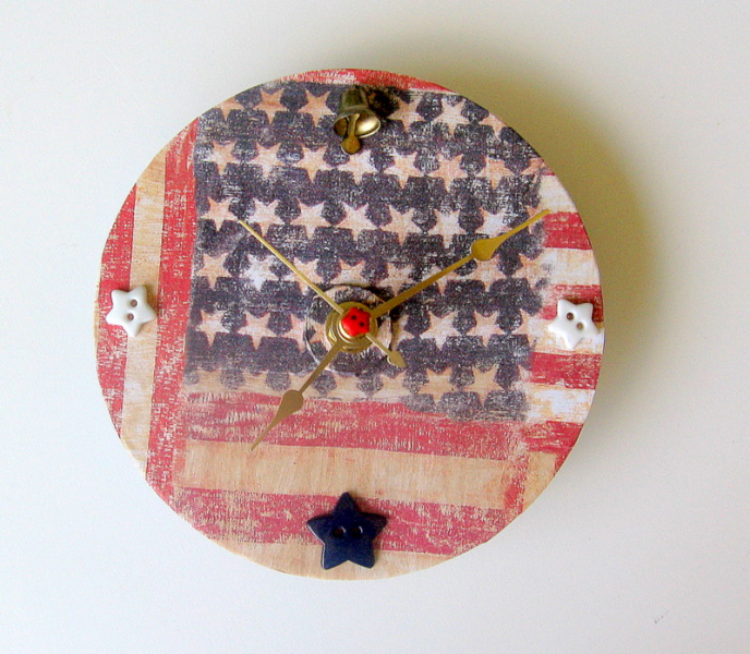 Americana Upcycled CD Clock
