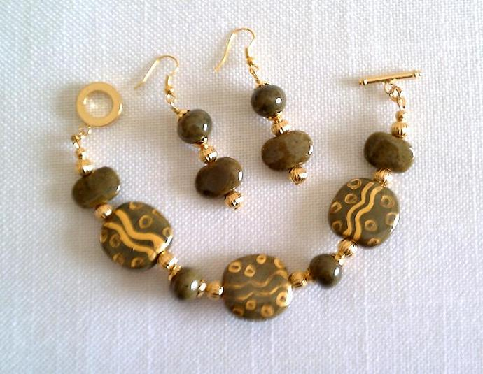 Kazuri Bracelet & Earrings Set, Item #380