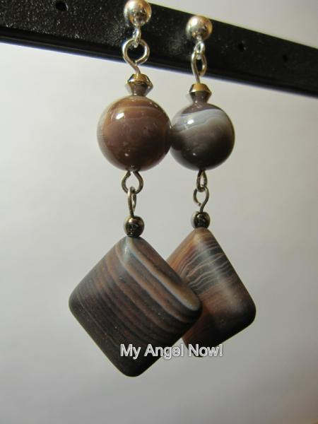 *Sold* Agate stone earring