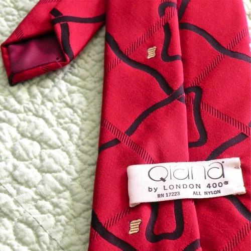 Classic Gentleman's Qiana Necktie - VIntage 1970s