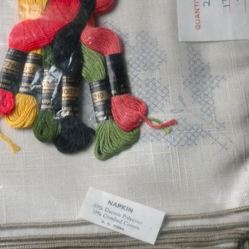 Floral Embroidery Napkin Set Kit - Vintage