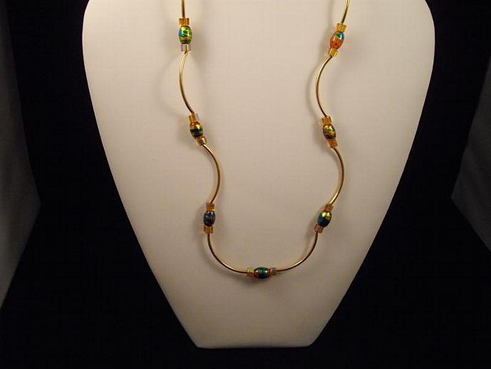 Amber Crackle Bead Wavy Necklace