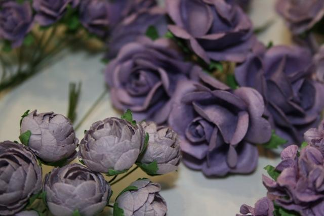 70 SHABBY BEAUTIFUL handmade mulberry paper roses and flower plus case Purple