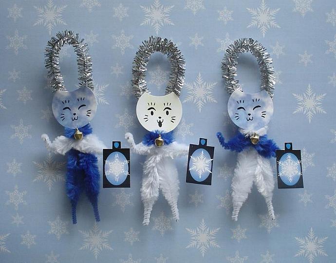 Snowflake Maneki Neko Winter Cats Chenille Ornaments Set of 3