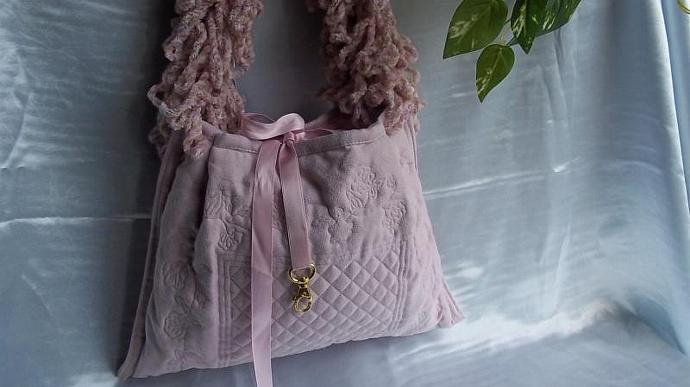 Handbag/Hobo/Purse/ (Pink Quilted Patchwork Enbroidered Purse With