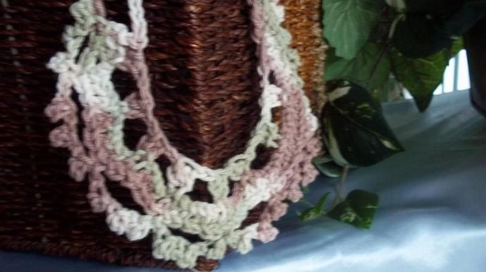 Necklace(Choker/Scalloped Edging in Pink  Beige and White Cotton Yarn)