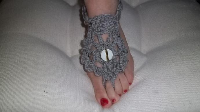 Womens Beachcomber Footsies in Slate Grey With White/Gold Embellishment