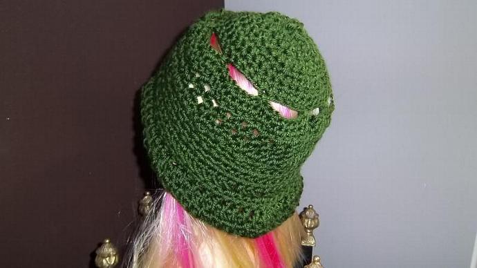 Women's Hunter Green Crocheted  Hat