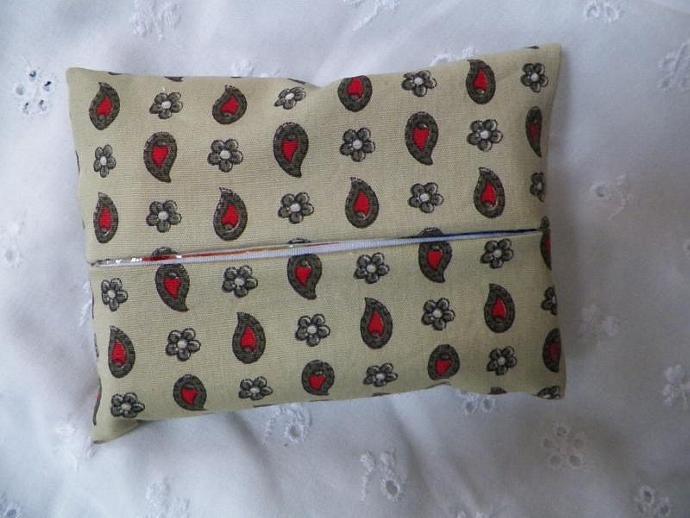 Tissue Holder Paisley Print