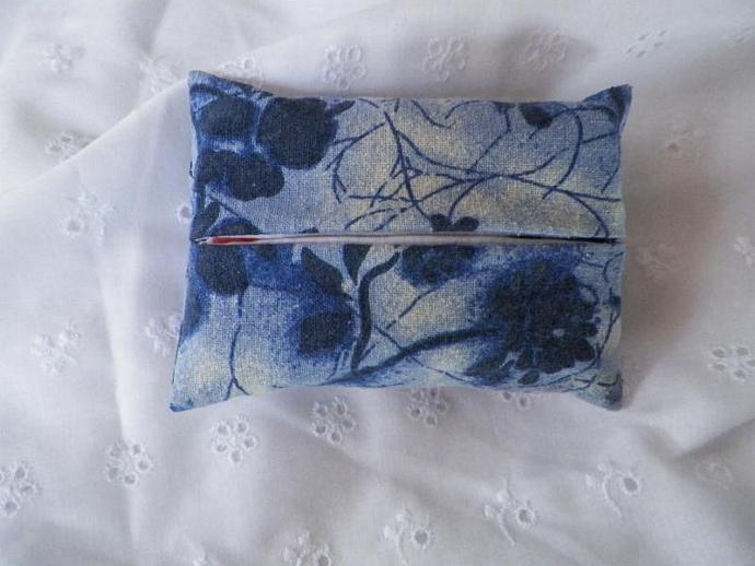 Tissue Holder Forever Blue Flowered
