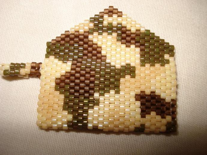 Bead Mini Clutch Pendant - Camouflage
