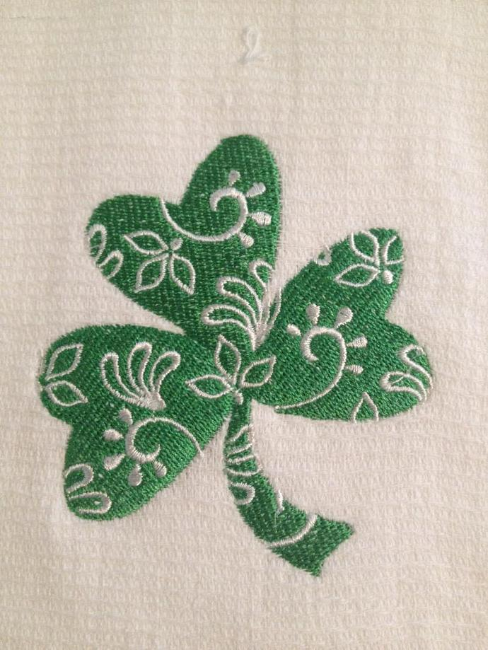 DAMASK FOUR LEAF CLOVER towel