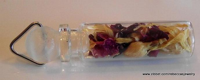 Bottle of  Botanicals Pendant