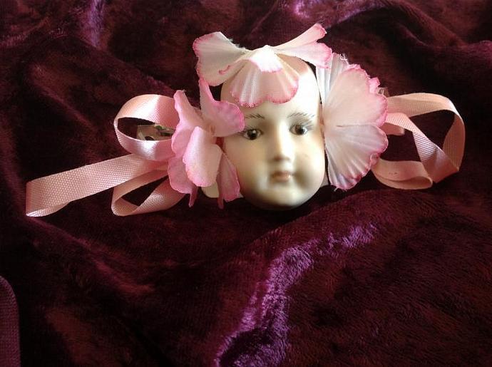 PORCELAIN DOLL HEAD PINK HAIR BOW     800 - 012