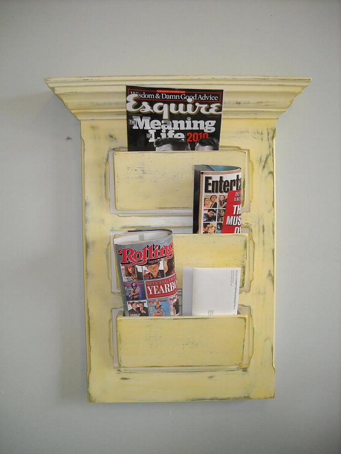 Wall hanging mail organizer