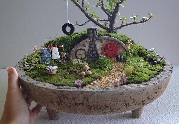Hobbit Home Carved In Bonsai Trees