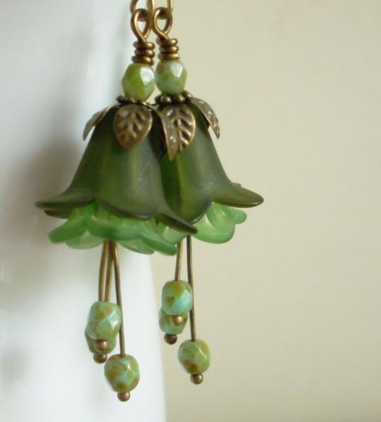 Mossy Green Blooming Earrings