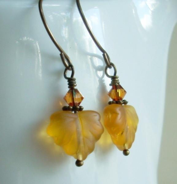 Fall Autumn Leaf Dangle Earrings - Amber Foliage