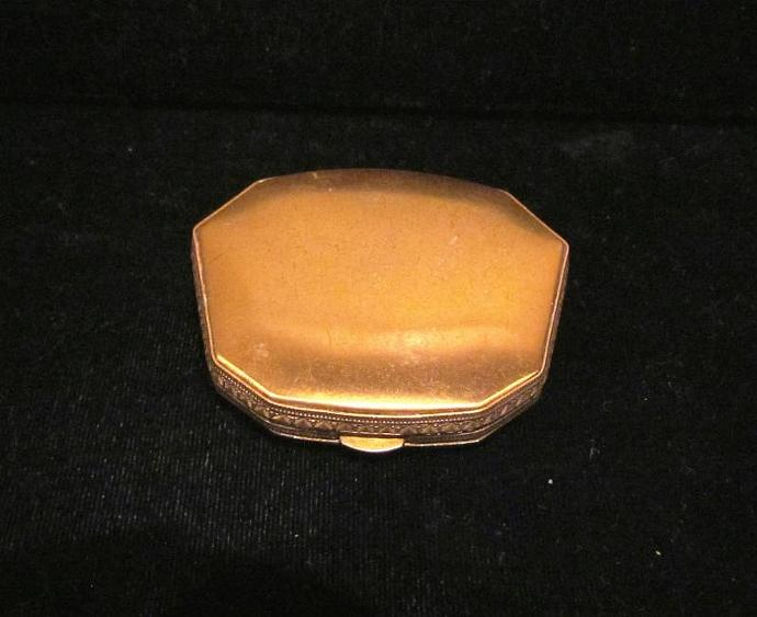 1930s La Mode Art Deco Powder And Rouge Compact Gold Compact GREAT CONDITION