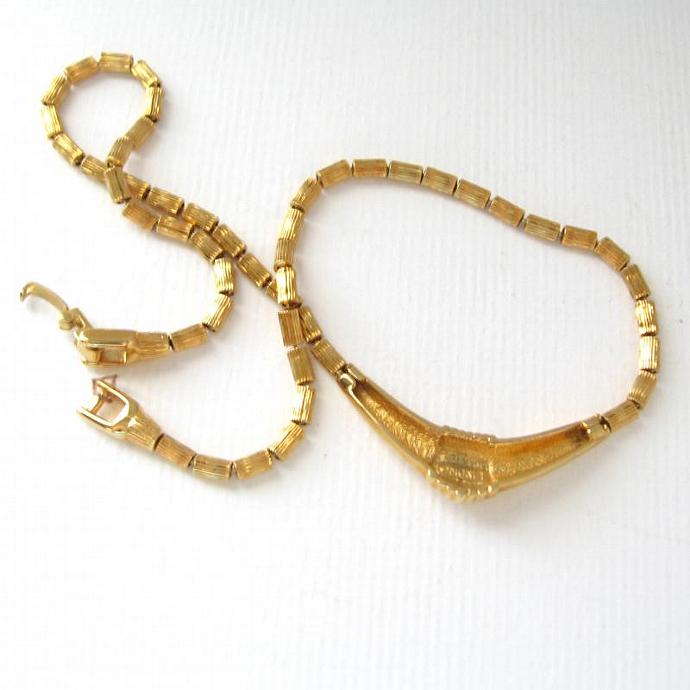 Vintage Monet Signed Gold Deco Bar Pendant Necklace Choker