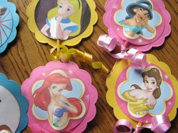 BRAND NEW-Disney Princesses- Ariel, Snow White- Cinderella- plus more- 12