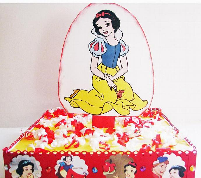 Snow White And The Seven Dwarfs Cake Pop By Scrappantry On Zibbet