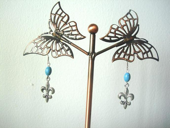 Simple Fleur-de-Lis with Turquoise