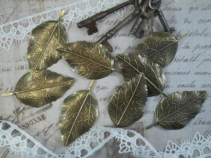 Bronze Filigree Embellishment (Item #886-B)