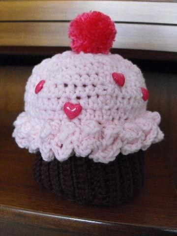 OPAL'S CUPCAKE HAT SIZE 3 TO 6  MONTHS CROCHET