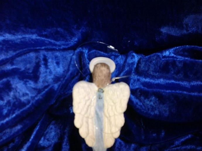 BLUE ANGEL WITH CANDLE 750-004