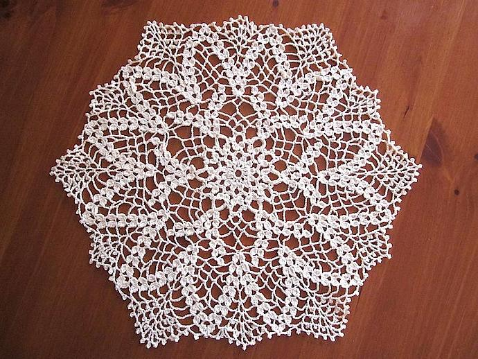 New Handmade Vintage-Chic Crocheted Cotton Cloth Doily