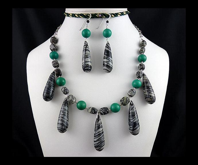 Black Web Jasper and Green Turquoise Adjustable Dangle Necklace and Earring Set