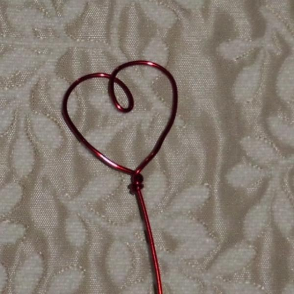 Primitive Heart Red Aluminum Table card holder set of 9 - 8 inch tall