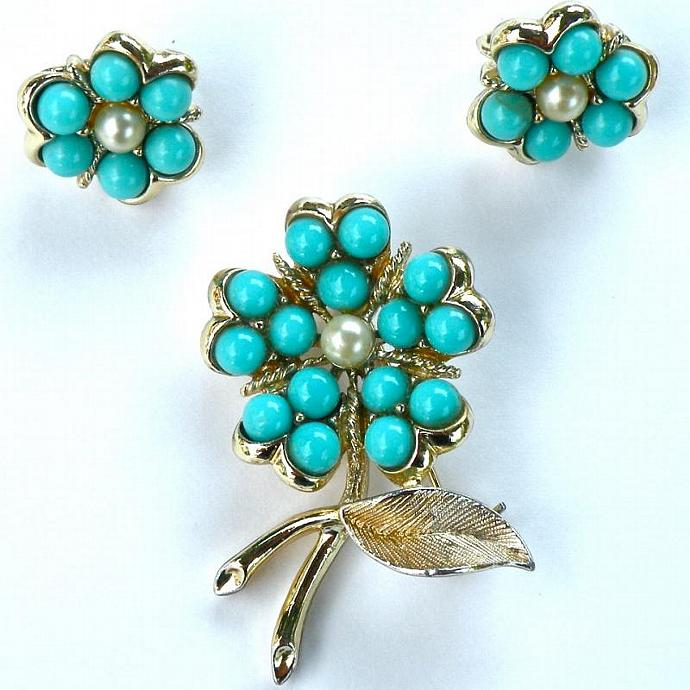 Vintage Sarah Coventry Jewelry - Brooch and Earrings