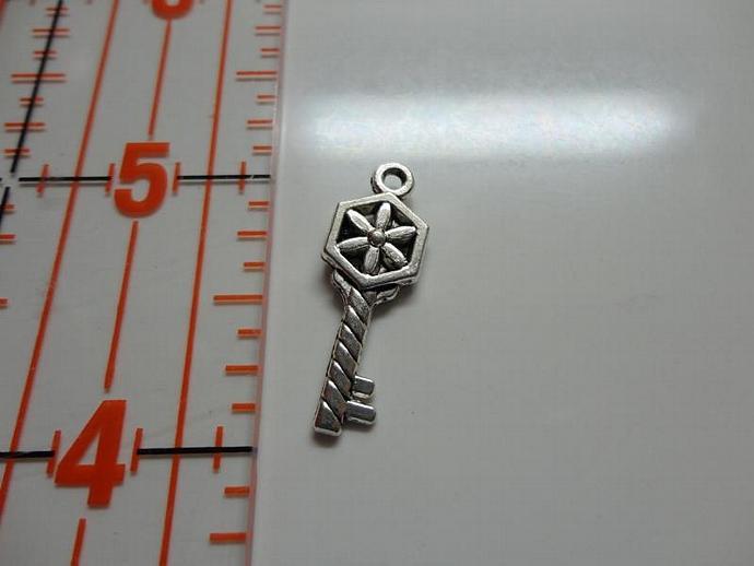 Pinwheel Key Charm - Silver