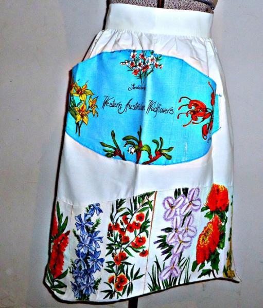 Vintage Apron Half Apron Apron Souvenir Western Australia Wild Flowers Linen